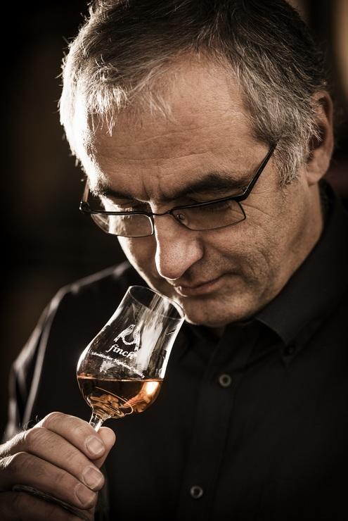 Hans-Gerhard Fink hat aus einer Schnapsidee ein Lebensprojekt gemacht: Er brennt aus schwäbischem Korn einen schwäbischen Whisky mit internationalem Potenzial.