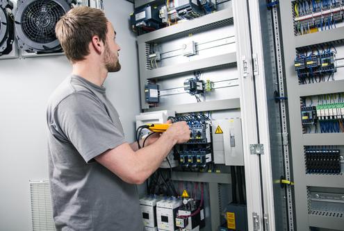 Schaltschränke entwickeln, konstruieren, bauen: Ingela ist seit 2014 wieder Komplett-Dienstleister im Bereich Elektrotechnik