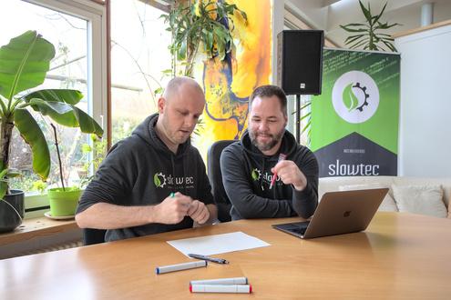 Wie erreicht man Ziele des Kunden mit möglichst wenig Technologie? Mit möglichst robusten, einfachen und smarten Lösungen? Markus Kohlhase (links) und Magnus Herold im Gespräch.
