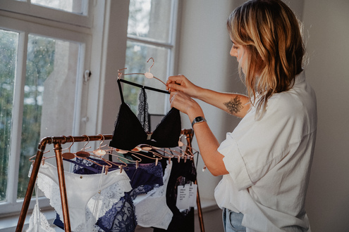 Feminine und nachhaltige Dessous aus umweltfreundlichen Materialien, produziert unter fairen Arbeitsbedingungen in der EU