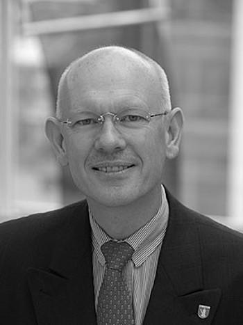 Dr. Andrew Readwin